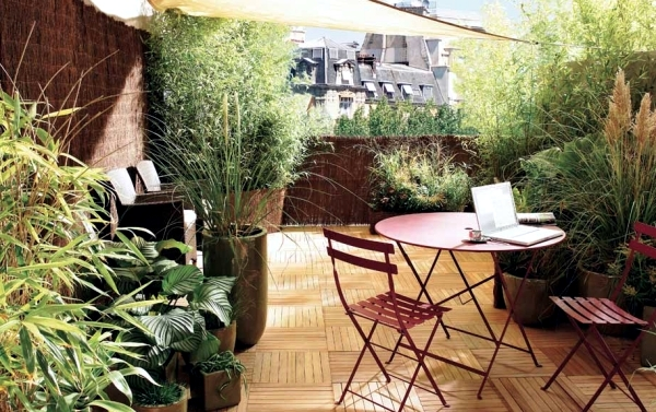 Privacy For The Balcony With Plants And Bamboo Mats Interior
