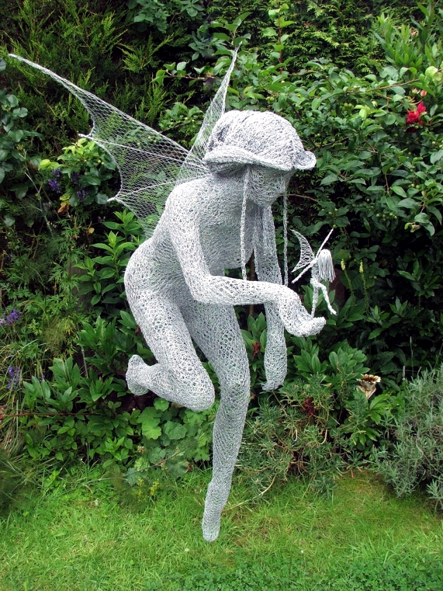 What to consider before choosing your garden sculpture