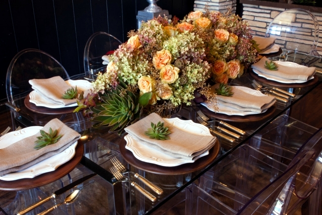 Autumn flower arrangement creates itself - Decorate the table fall