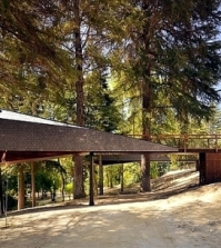 two-shelters-modern-mountain-design-meander-through-the-trees-0-733