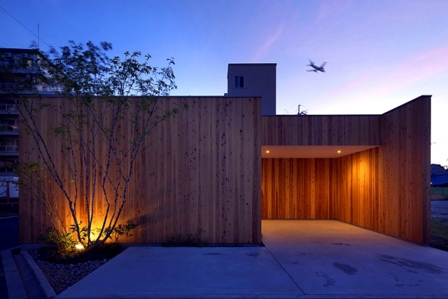 Modern Minimalist House With Garden In Nishimikuni Japan