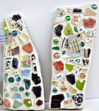 stepping-stones-with-mosaic-pattern-easy-craft-idea-to-make-your-own-0-734