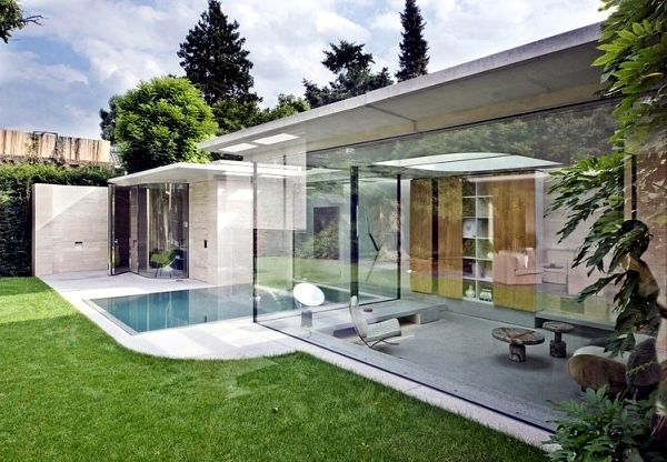 House Made Of Concrete And Glass Fascinating Minimalist