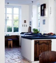 rustic-kitchen-farmhouse-in-natural-stone-0-746
