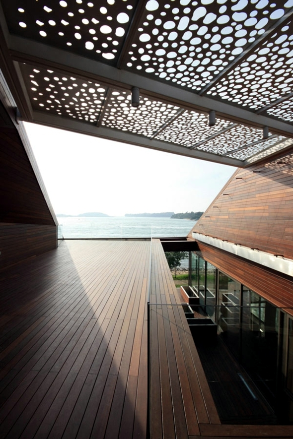 Light and shadow define the architecture of the house futuristic