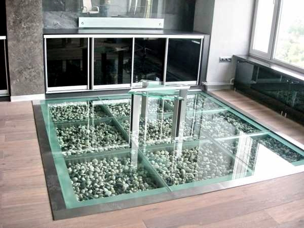 Roof and floor properties and advantages of glass insert out