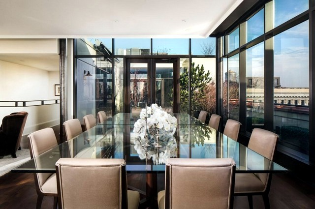 Spacious penthouse apartment with spectacular views over the city