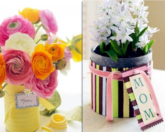Table decoration for Mother's Day - models and colorful flowers as the main theme