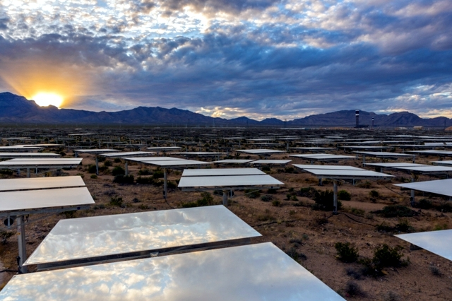 Renewable Energy - Solar thermal plants are the future?