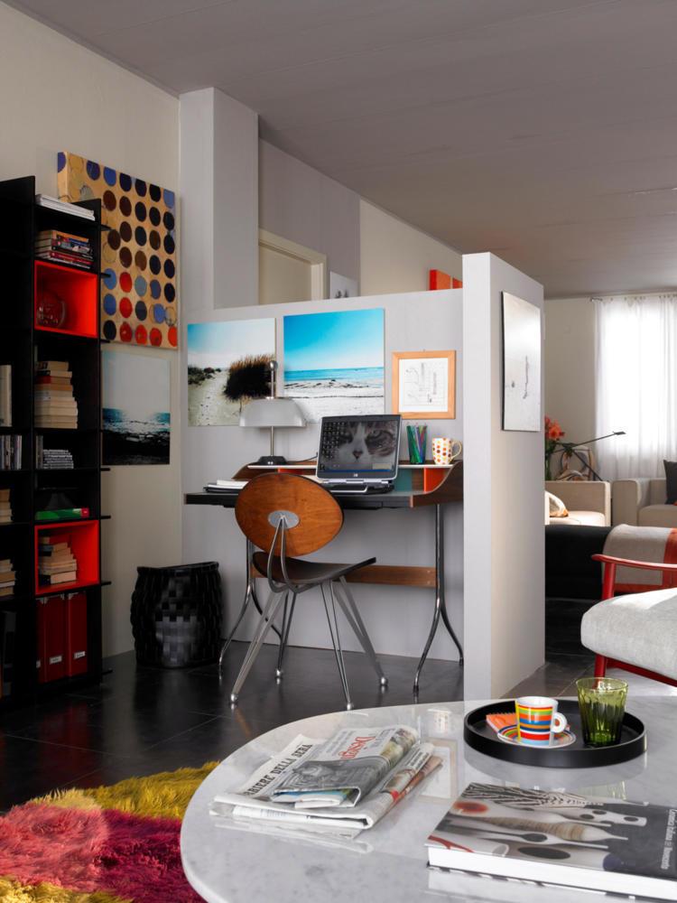 corner of the partition of study interior design ideas ofdesign. Black Bedroom Furniture Sets. Home Design Ideas