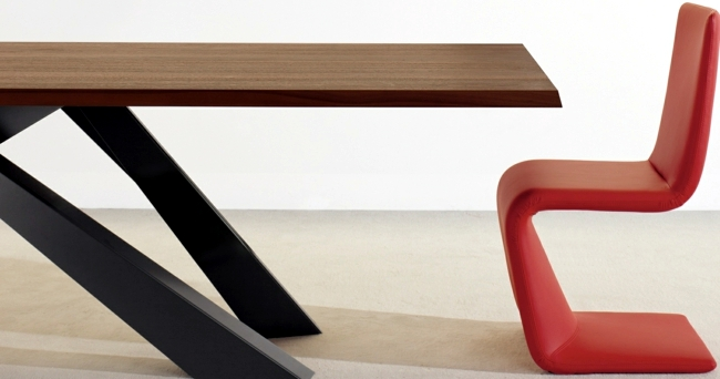 The large wooden dining table Bonaldo - color mix effect