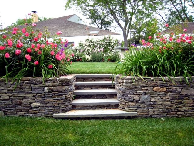 it an indisputable fact the stone is so widely used in the design of the garden but what is the basis of its popularity in this question here we try to - Garden Design Using Stones