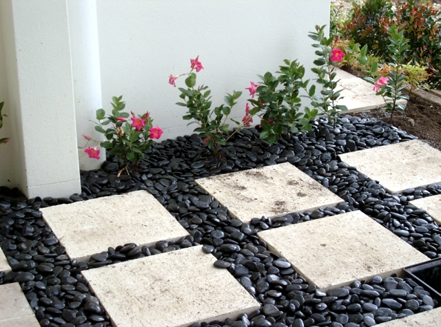 17 ideas for garden design - Stones are versatile ...