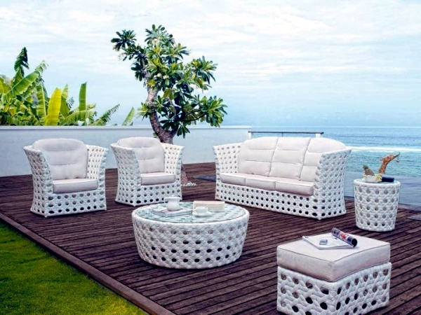 Rattan garden furniture with unusual design royal garden for Designer garden furniture