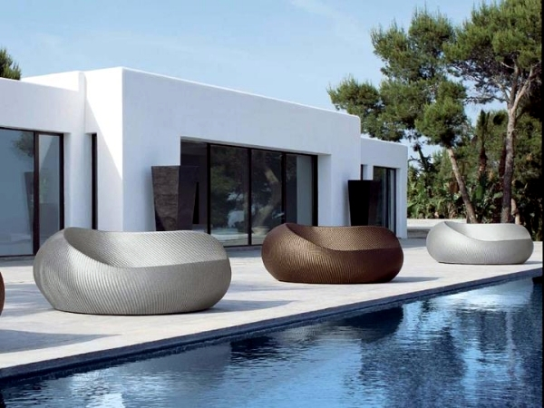 Rattan garden furniture with unusual design Royal Garden