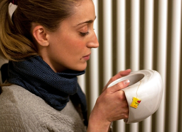 porcelain coffee cup keeps your hands warm in winter