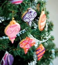 ideas-for-arrangements-with-festive-christmas-cookies-and-gingerbread-0-805