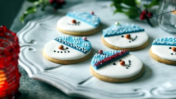 Ideas For Arrangements With Festive Christmas Cookies And