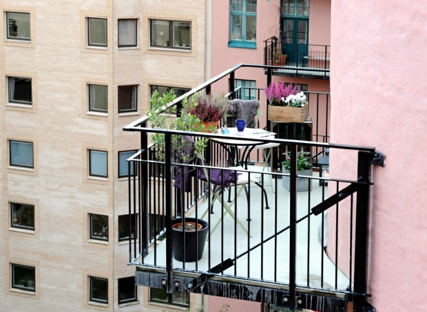 Balcony planting flowers - colorful oasis in the cold season