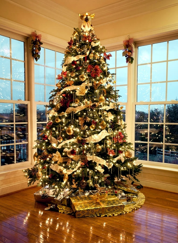 Tips for installing lights on the Christmas tree. | Interior Design ...