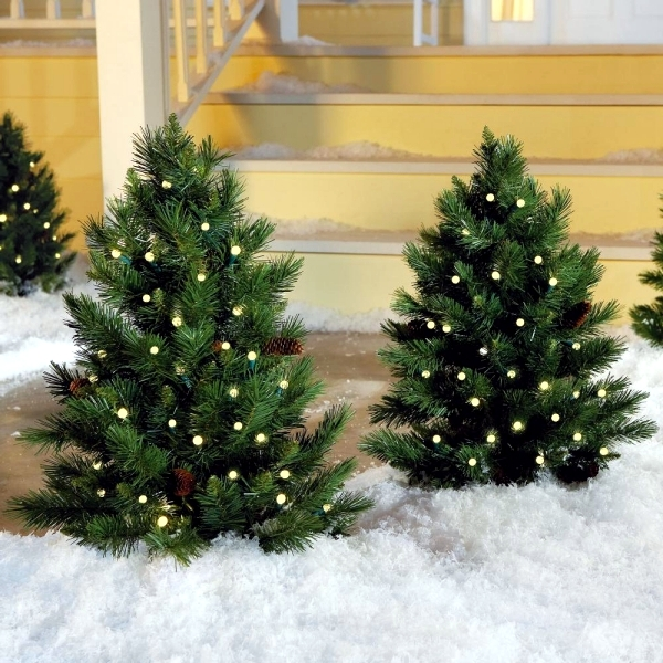 Tips for installing lights on the Christmas tree
