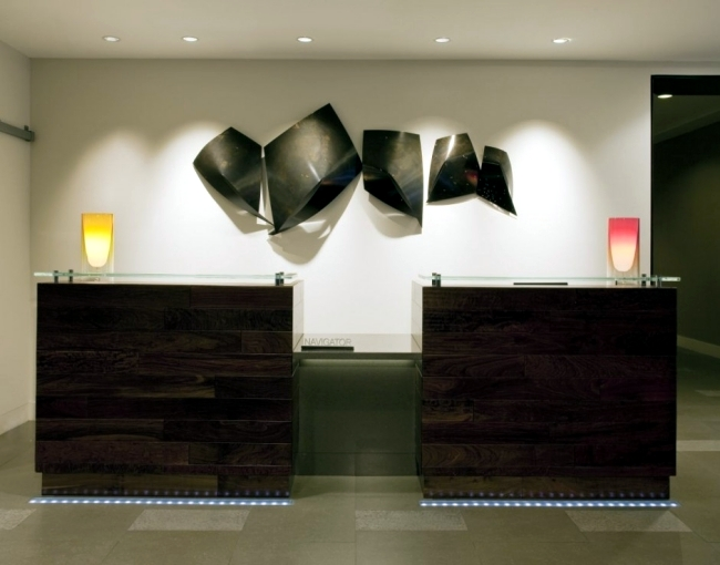 The lobby of the Renaissance Hotel Baronette modern design in Michigan