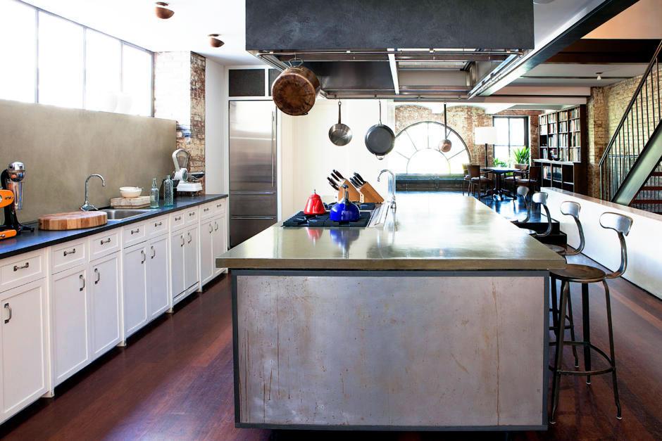 Spacious Kitchen Island In The Open Kitchen Interior