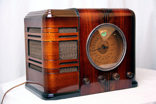 Vintage radio equipment Paul Sanders home accessory for retro gamers