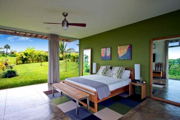 Moon villa in Costa Rica, with spectacular views of the mountains and sea