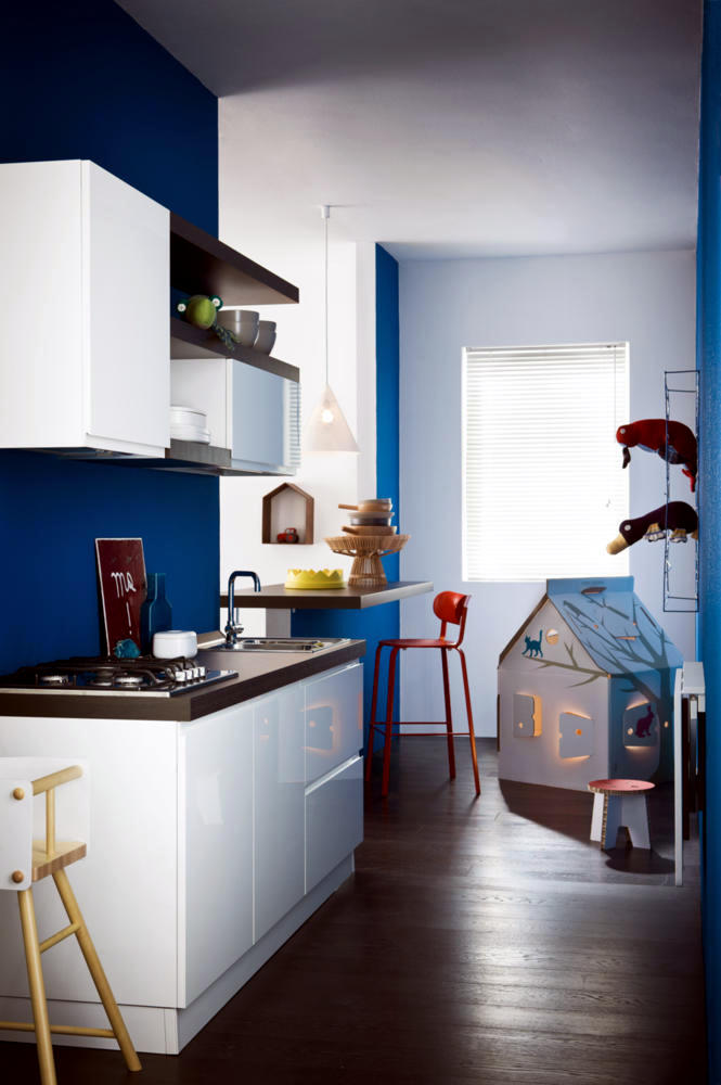 kitchen-modern-design-with-a-blue-wall-0-827