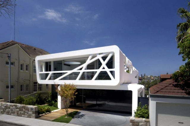 Minimalist architect house - house with glass facade MPR