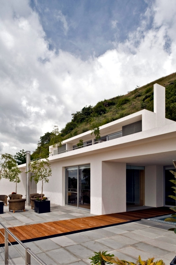 Modern Bungalow In The Mountains Of Mexico By Agraz