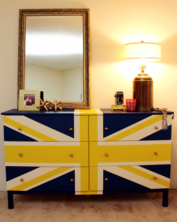 Old Dresser Spices Creative Ideas On How To Decorate