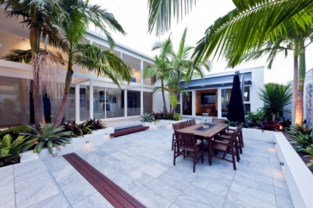 Designing Exotic Backyard Of A House Near The Sea In