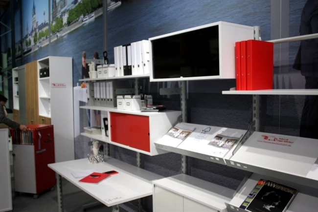 Modern Office Furniture - Making the workplace in ergonomic office