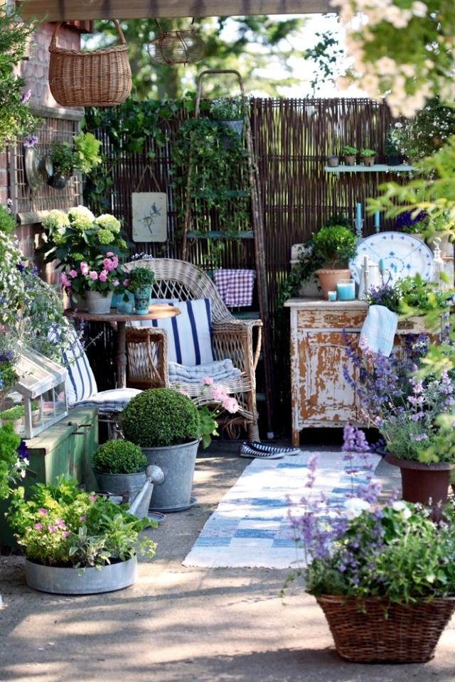 Уютное местечко в саду... / разное / все для дома / pinme.ru.