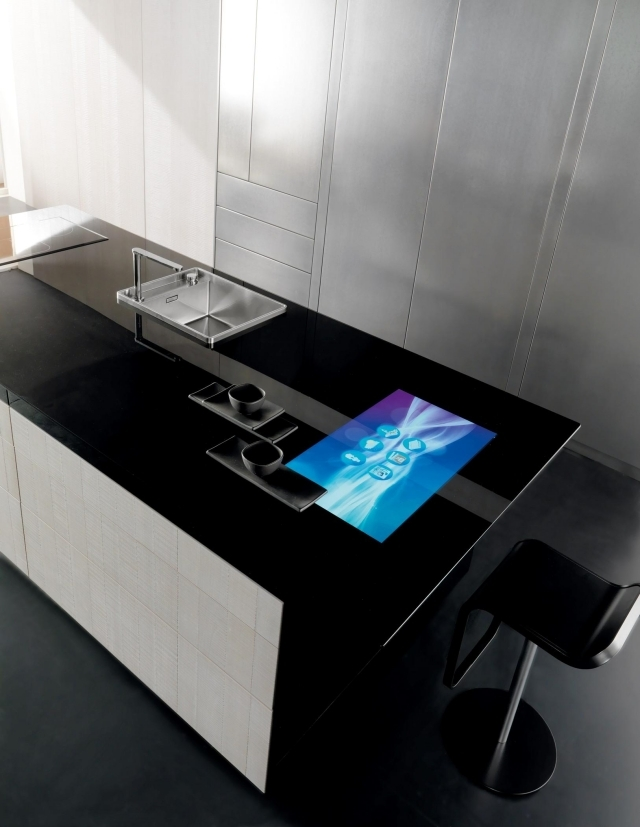 Toncellis carbon fiber high-tech kitchen and Liquid Metal | Interior ...