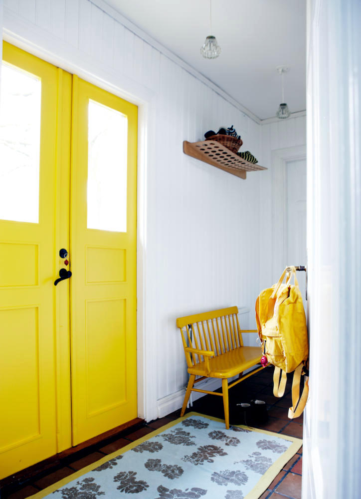 entrance-door-yellow-0-857