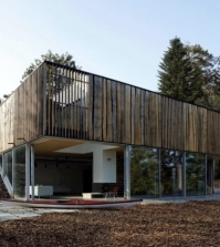 house-architecture-house-with-many-wooden-elements-inmitte-nature-0-859