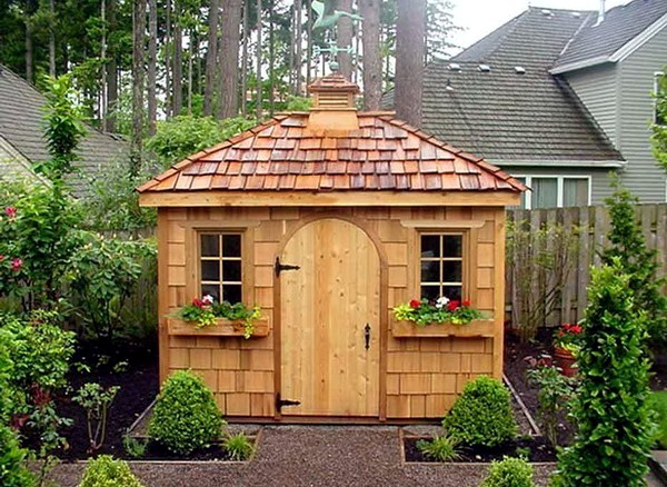 The material is and what still needs to be observed wooden garden house insulation interior - Garden summer house design ideas ...