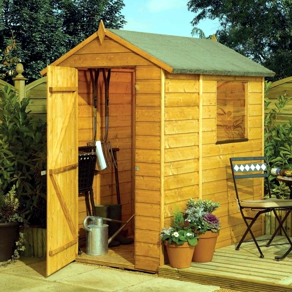 The material is and what still needs to be observed - wooden garden house insulation