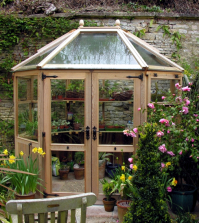build-a-greenhouse-in-the-garden-and-create-what-to-consider-0-876