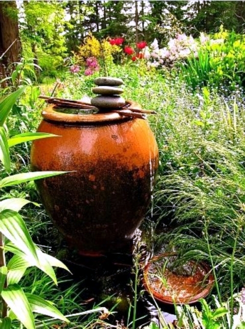 Get some more - minimalism in the design of the garden fountain