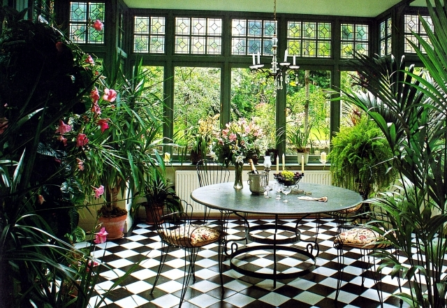 Caring for plants in the conservatory 17 design ideas Interior design plants inside house