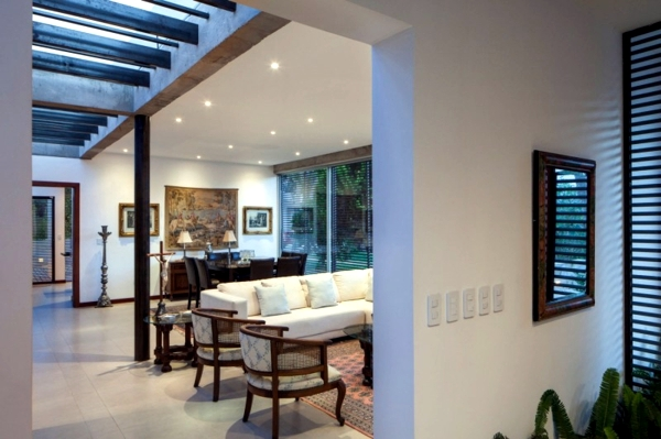 Apartment house in Ecuador combines architecture and nature