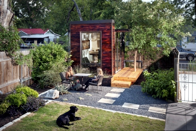 The construction of the wooden house garden - 3 Examples of functional projects