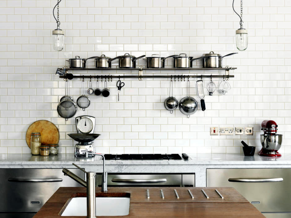 kitchen shelf for industrial chic interior design ideas. Black Bedroom Furniture Sets. Home Design Ideas