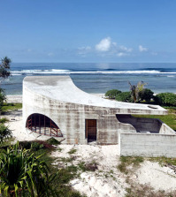 design-beach-hotel-pacific-in-australia-is-similar-to-the-ancient-ruins-0-934