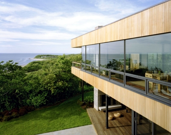 Impressed by the shore house with a great location and modern design