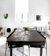 table-of-dark-brown-wood-shabby-chic-0-938